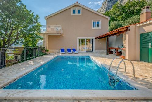 The swimming pool at or close to Holiday Home Figa