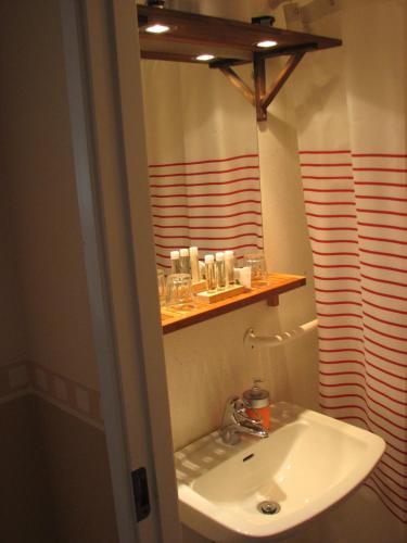 Een badkamer bij Edsleskogs Wärdshus