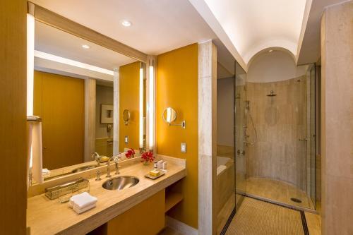 Um banheiro em Grand Hyatt São Paulo