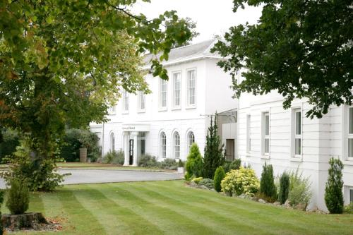 Manor Of Groves Hotel