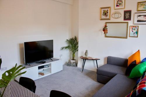 Bright 2 Bedroom Apartment Near Murrayfield