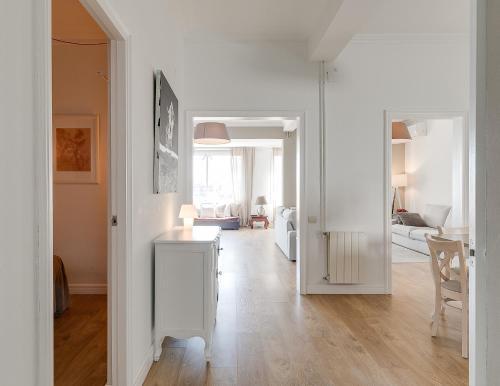 Cuisine ou kitchenette dans l'établissement Look Barcelona Apartment
