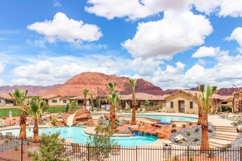 A view of the pool at Red Rock Villa or nearby