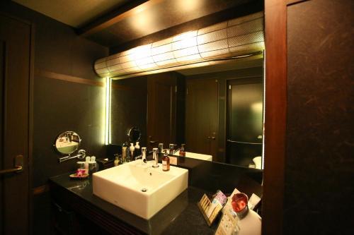 A bathroom at Hotel Balian Resort Shinjuku Island (Adult Only)