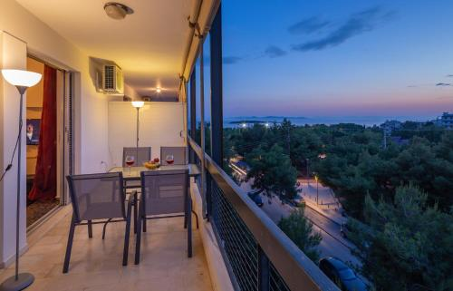 A balcony or terrace at Archer Sea view Apartment