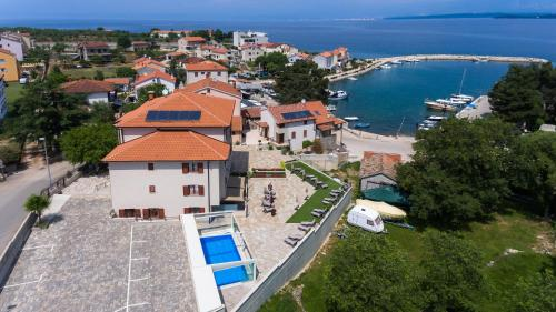A bird's-eye view of Villa Aria