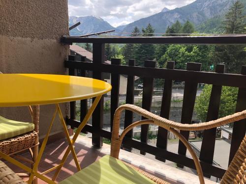 A balcony or terrace at bardostudio