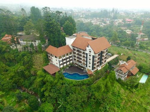 منظر فندق منتجع غراند هيل من الأعلى