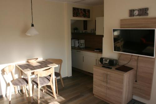A kitchen or kitchenette at Pension Alice
