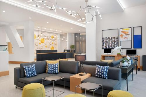 The lobby or reception area at Courtyard Boston Downtown/North Station