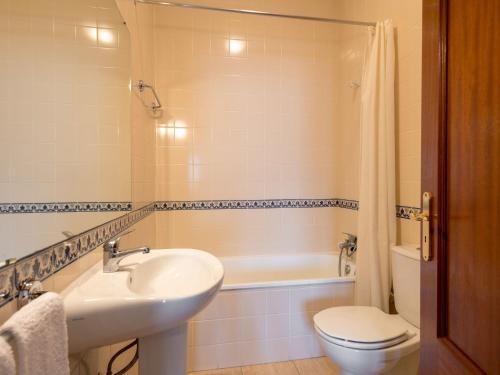 A bathroom at Casa Do Alambique