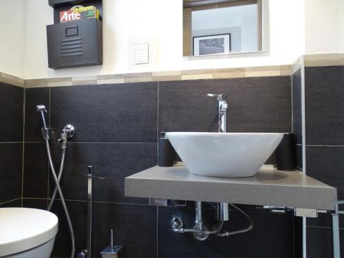 A bathroom at Morgagni Luxury Home