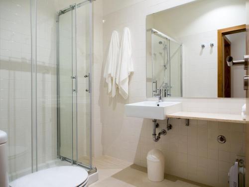Een badkamer bij Belomont6 Apartments