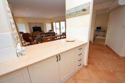 A kitchen or kitchenette at Seabreeze 3 at South West Rocks