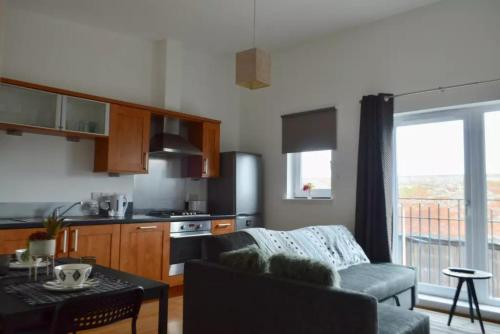 1 Bedroom Apartment In Leith