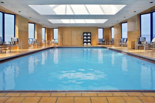 The swimming pool at or near Hilton Rosemont Chicago O'Hare