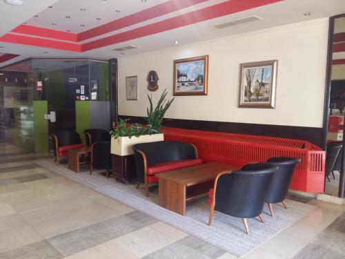 Predvorje ili recepcija u objektu Hotel Park