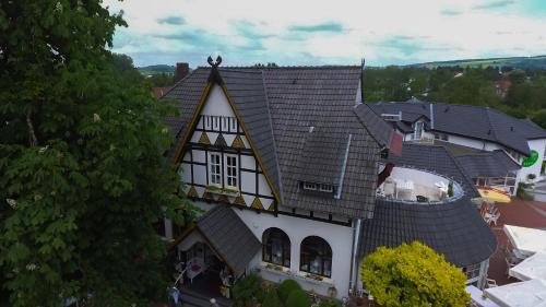 Blick auf Hotel Kastanienhof aus der Vogelperspektive