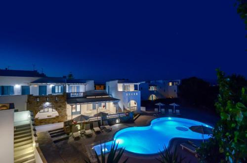 O vedere a piscinei de la sau din apropiere de Hotel Francesca