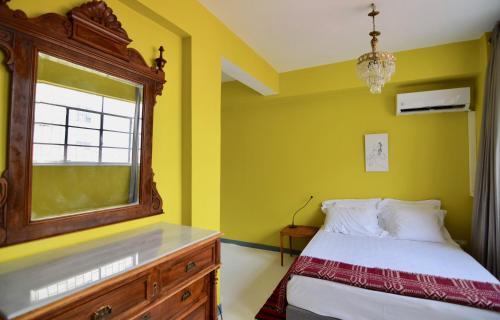 Ein Bett oder Betten in einem Zimmer der Unterkunft Boutique Athens PK Building
