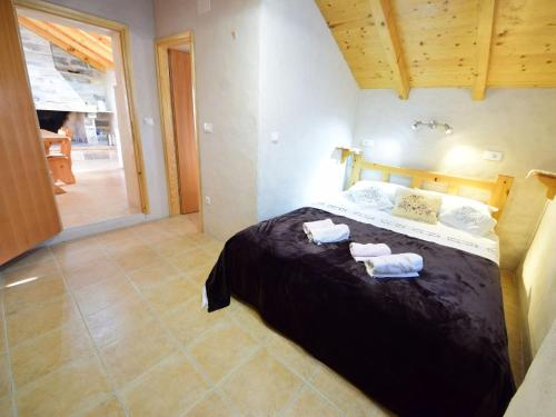A bed or beds in a room at Holiday Home Antonija