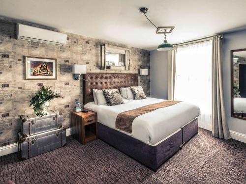 Cama o camas de una habitación en Mercure Nottingham City Centre Hotel