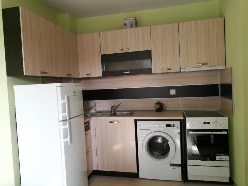 A kitchen or kitchenette at Apartment Kate
