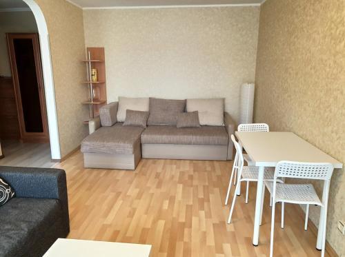 Гостиная зона в Apartment on Rokossovskogo 11