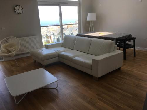 A seating area at Ocean Views