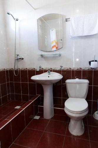 A bathroom at Zoremma Mini-hotel