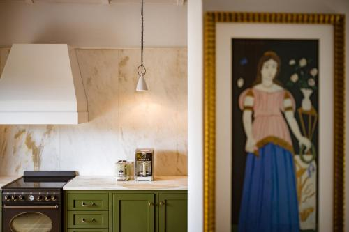 A kitchen or kitchenette at North Point Houses