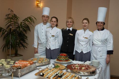 Персонал Sakhalin Sapporo Hotel