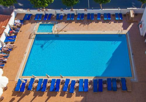 Вид на бассейн в Eftalia Aytur Hotel или окрестностях