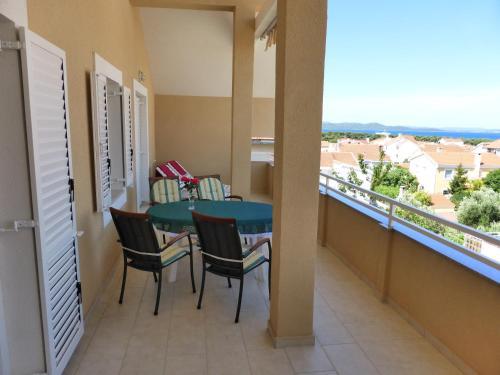 Ein Balkon oder eine Terrasse in der Unterkunft Apartments Toni, Borik