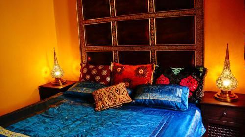Uma cama ou camas num quarto em Moura Only for Two