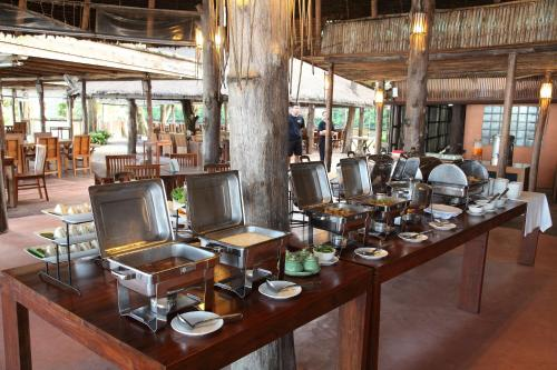 A restaurant or other place to eat at Peter Pan Resort @ Koh Kood