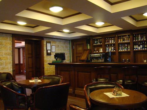 The lounge or bar area at Hotel Zolota Pidkova