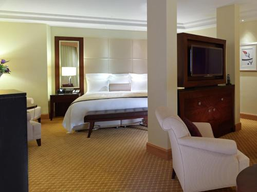 A bed or beds in a room at JW Marriott Hotel Ankara