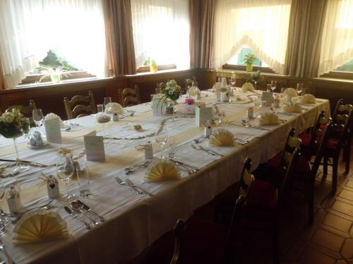 A restaurant or other place to eat at Hotel Restaurant zum Schwan