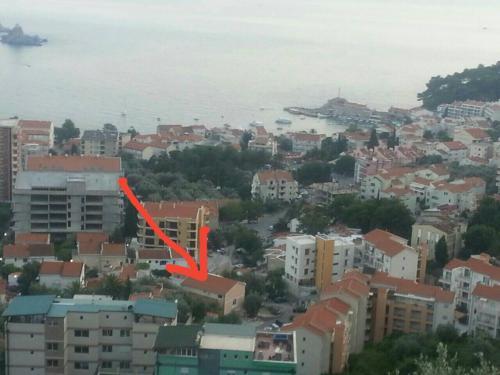 A bird's-eye view of Apartmani Irena