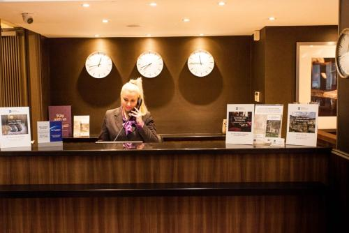 The lobby or reception area at Best Western Sheffield City Centre Cutlers Hotel