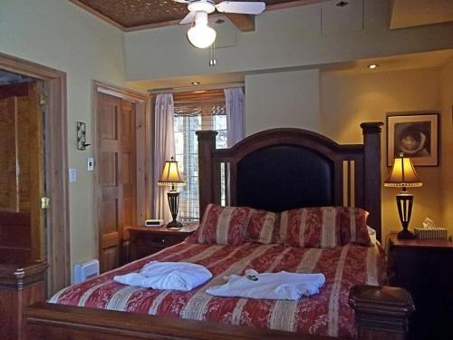 Un ou plusieurs lits dans un hébergement de l'établissement Gîte La Halte Du Verger Bed and Breakfast