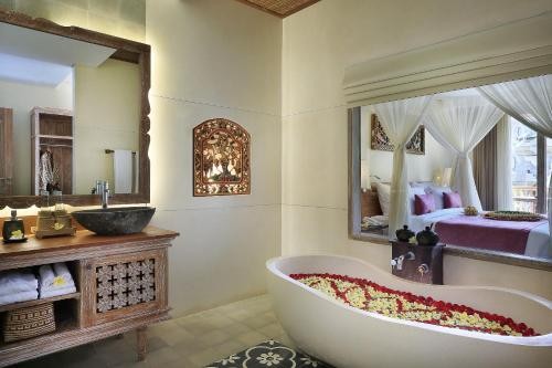 A bathroom at Pramana Watu Kurung Resort