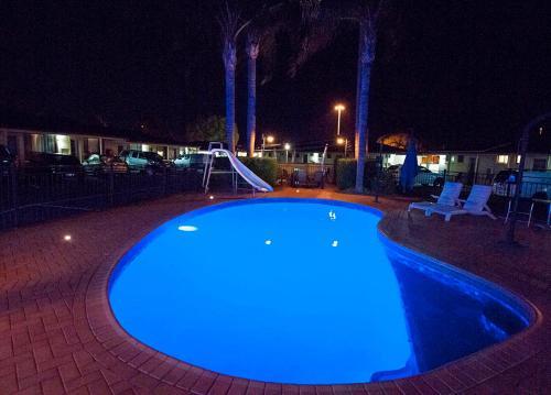 The swimming pool at or near James Street Motor Inn