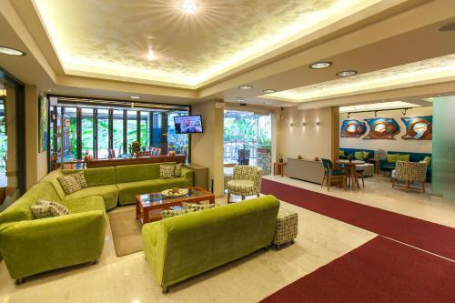 Zona de hol sau recepție la Paradise Lost Hotel-Apartments