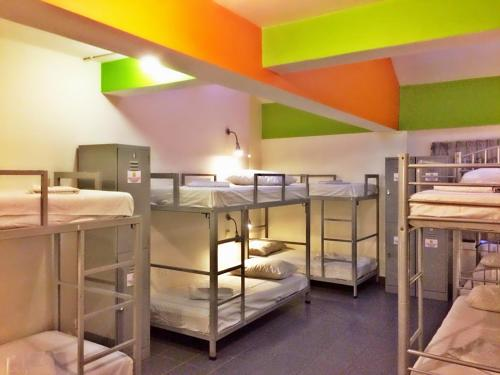 A bunk bed or bunk beds in a room at Campbell Inn (SG Clean)