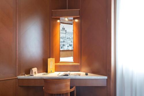 A bathroom at B&B Hotel Modena