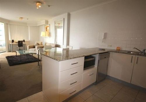 A kitchen or kitchenette at Savoy