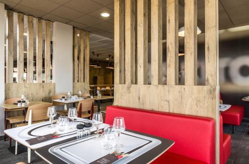 Restaurant ou autre lieu de restauration dans l'établissement ibis Thonon Centre