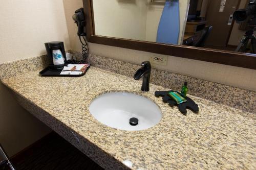 A bathroom at Crosswinds Inn
